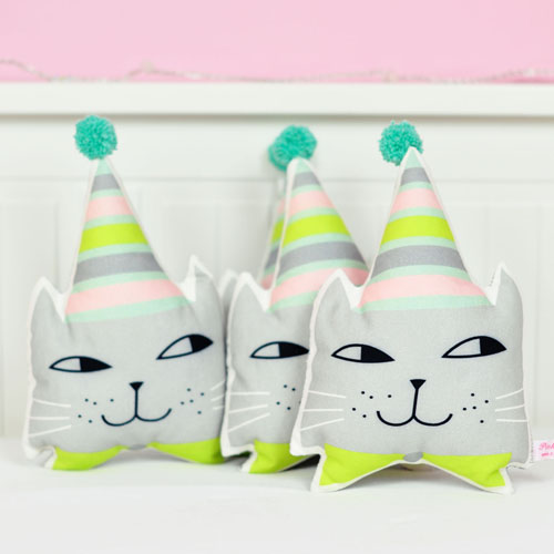 mini kitten pillows by PinkNounou