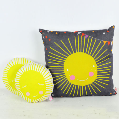 pillows sun by PinkNounou - 1