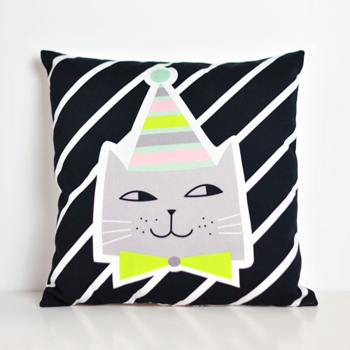 cat pillow by PinkNounou -2