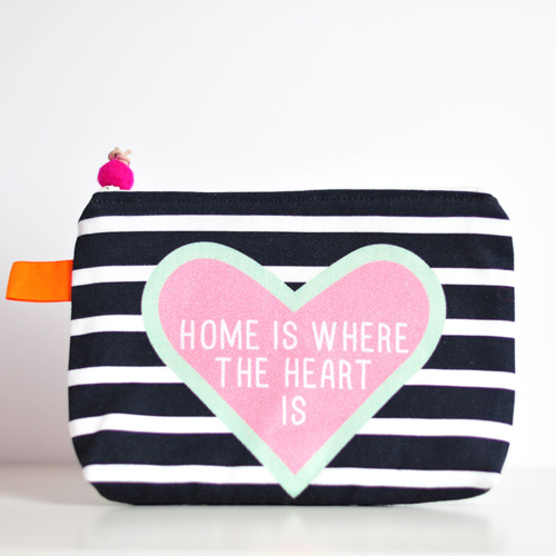 zipper-pouch-HomeIsWhereTheHeart-by-PinkNounou-1A
